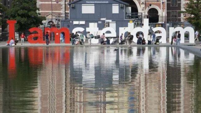 Из Амстердама изгоняют бюджетных туристов