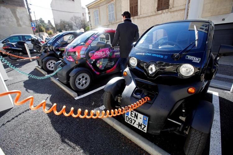 Число электромобилей на дорогах превысило 3 млн