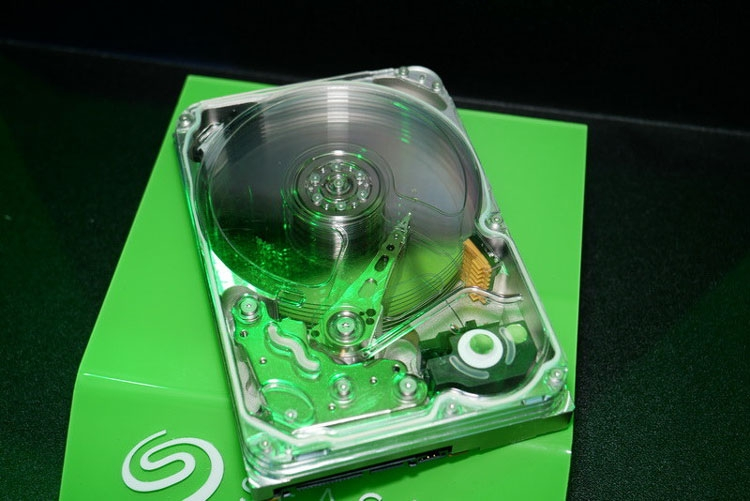 Computex 2018: Seagate показала жёсткие диски с технологиями HAMR и MACH.2