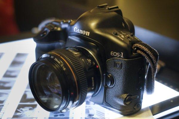 Canon заканчивает эпоху пленочных камер в своей компании