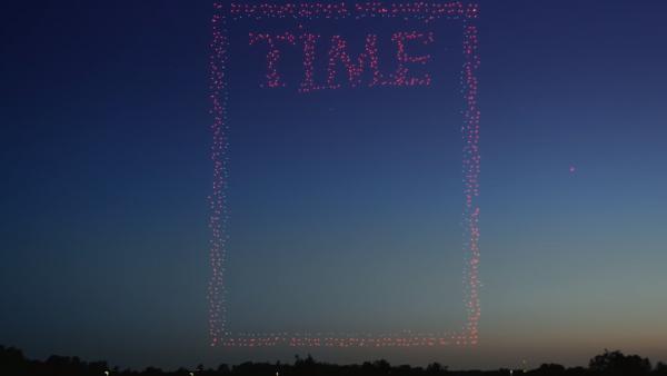Журнал Time показал эффектную обложку из дронов