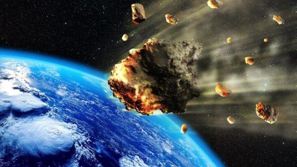 Ученые NASA показали на видео эффектное падение астероида в Африке
