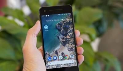 Google выпустит смартфон Pixel среднего уровня