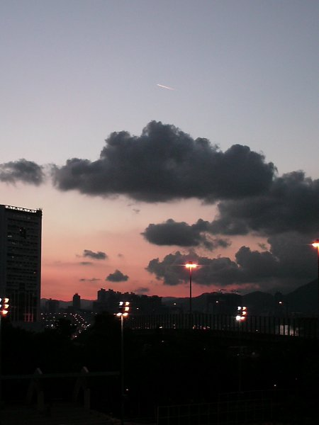 Пилот самолета увидел НЛО в небе над Петербургом