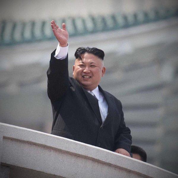 СМИ рассказали, какой техникой пользуется руководство КНДР