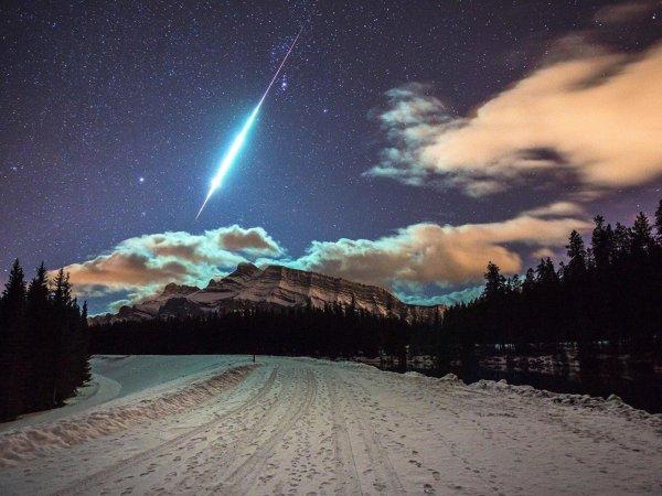 Немецкий фотограф снял падение загадочного космического объекта