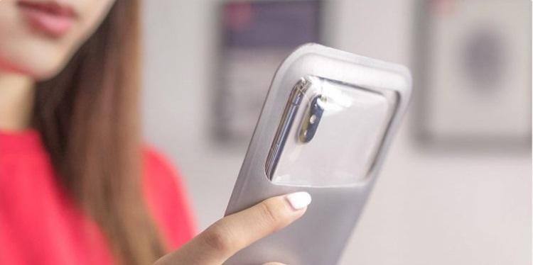 Xiaomi представила универсальный водонепроницаемый чехол для смартфонов