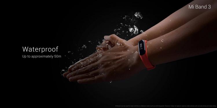 Фитнес-браслет Xiaomi Mi Band 3 с защитой от влаги обойдётся в