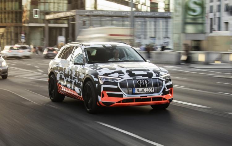 Audi отложила запуск электрического кроссовера e-tron из-за ареста исполнительного директора