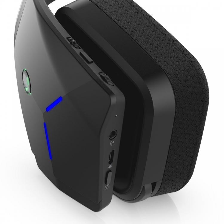 Alienware представила свою первую беспроводную гарнитуру