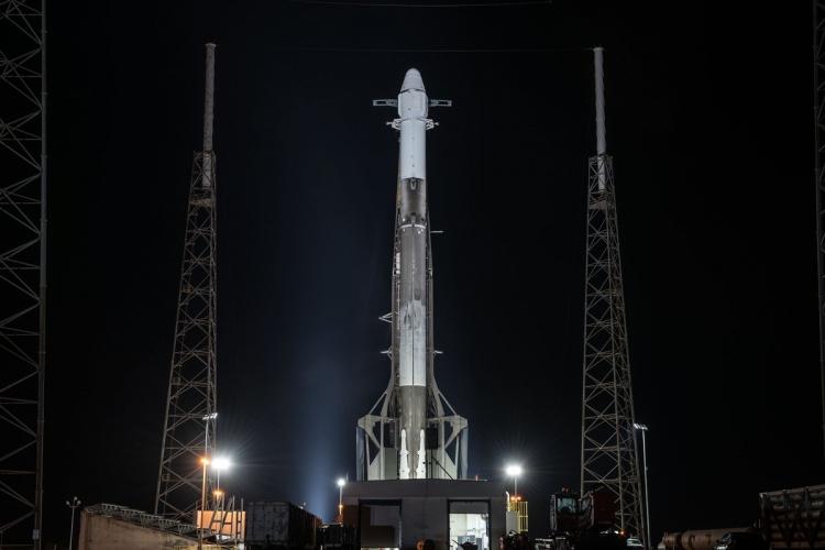 SpaceX успешно запустила на орбиту ракету Falcon 9 с «грузовиком» Dragon, уже запускавшиеся ранее