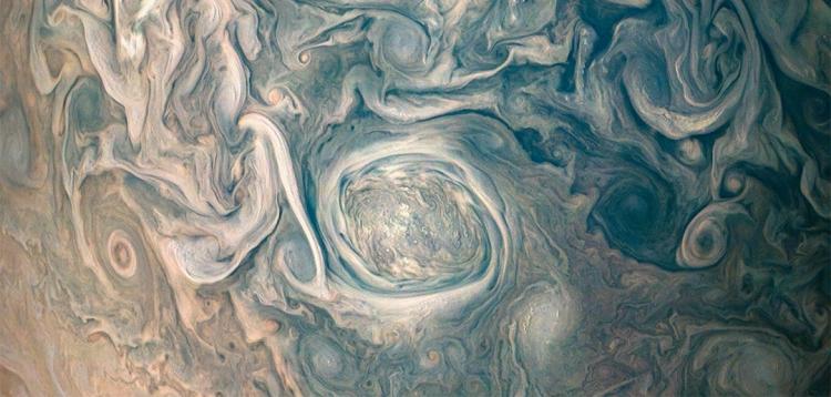Фото дня: хаос в атмосфере Юпитера