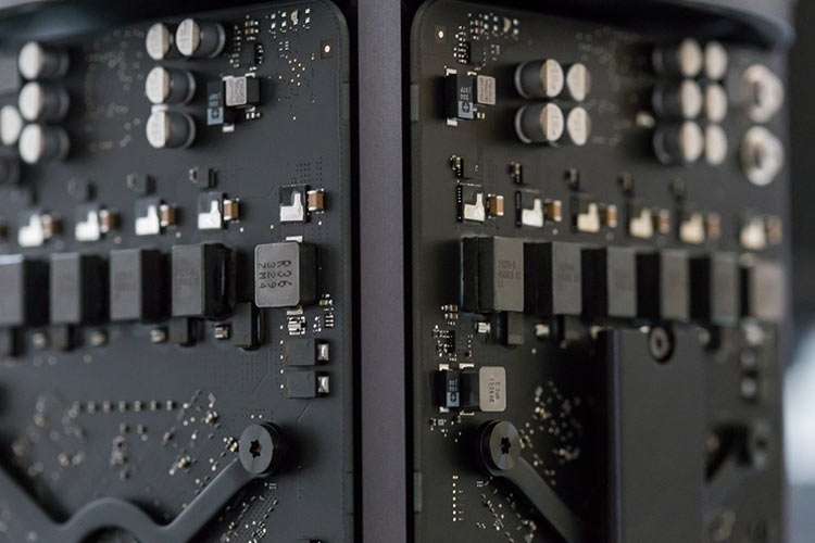 Бывший сотрудник Apple обвинён в краже секретов, связанных с проектом автопилота