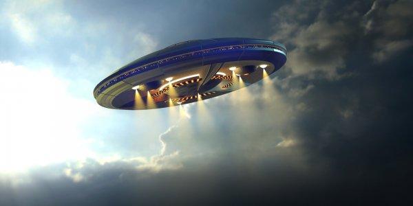 Инопланетяне близко: В Италии сняли на видео сразу три НЛО