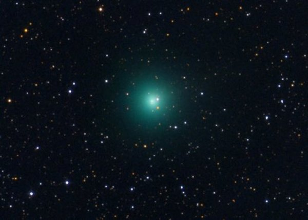 Ультраяркая зеленая комета приближается к Солнцу