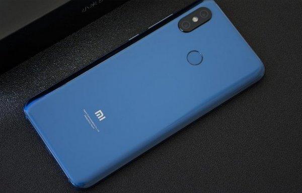 Флагман Xiaomi Beryllium стал героем видеоролика на YouTube