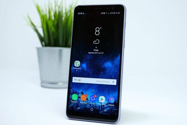 В России начались продажи бюджетного Samsung Galaxy J8