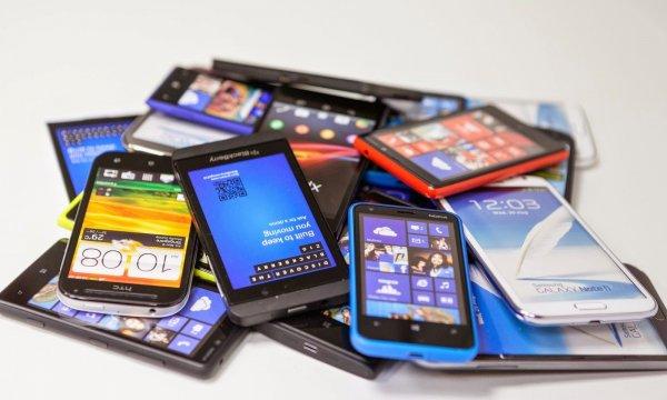 Эксперты назвали ТОП-3 лучших смартфонов дешевле $100
