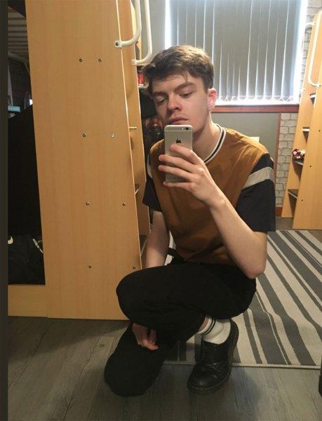 «Уродливый» британец придумал, как получить внимание тысяч поклонниц в Tinder