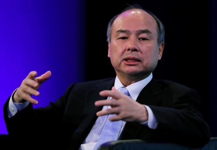 Глава SoftBank назвал глупым запрет Японией сервисов райдшеринга