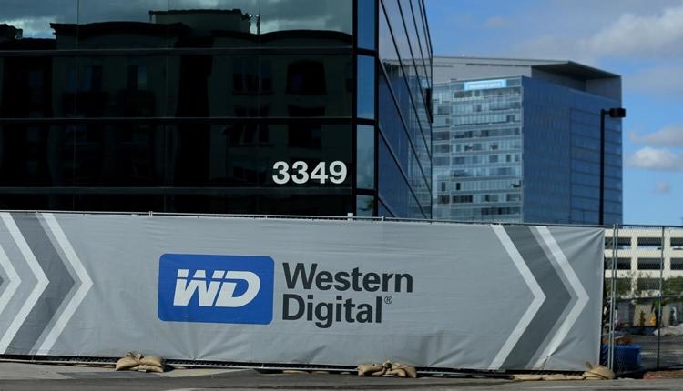 Western Digital начала пробные поставки передовых чипов памяти QLC 3D NAND
