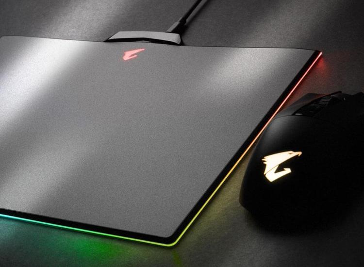 Коврик для мыши Aorus P7 получил подсветку RGB Fusion