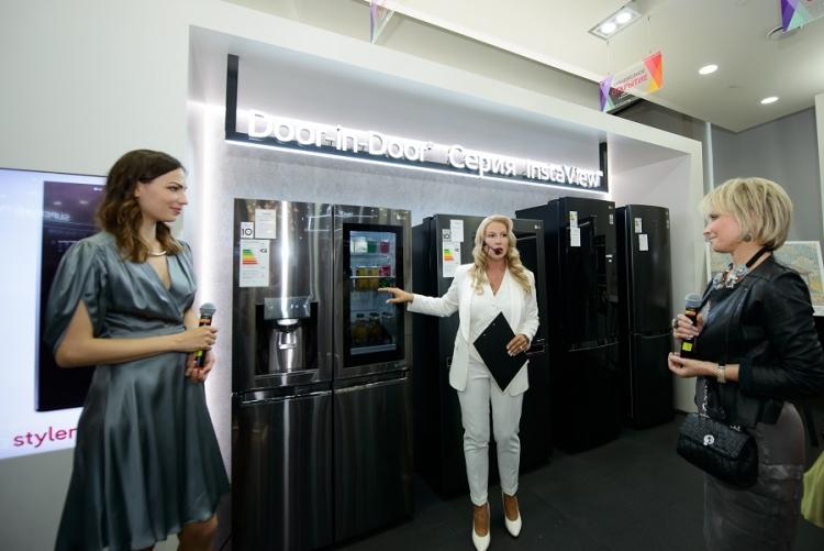 LG открыла флагманский магазин в Москве в ТРЦ Метрополис