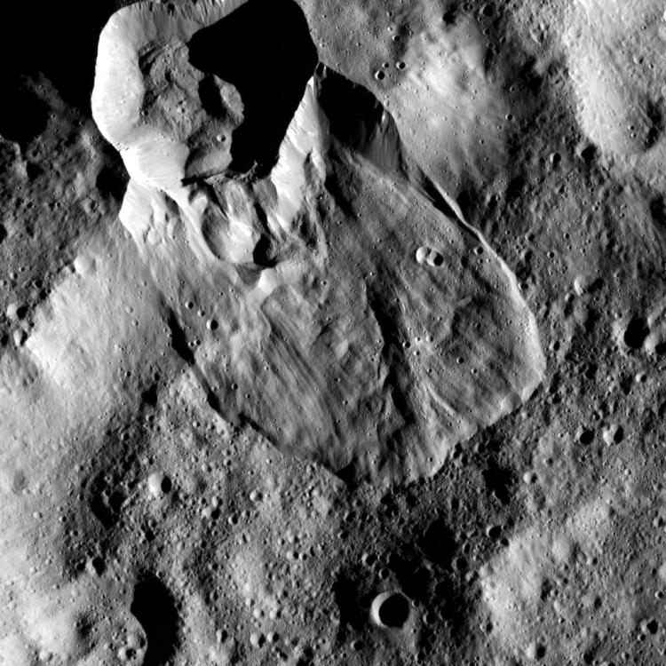 Фото дня: взгляд на Цереру с 35-километровой высоты