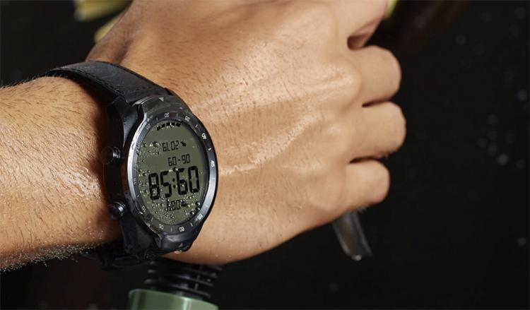 Смарт-часы TicWatch Pro с двумя дисплеями стоят 0
