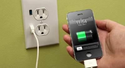 Раскрыты главные мифы про зарядку смартфонов