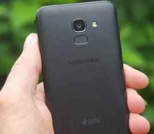 Samsung готовит к выпуску два новых смартфона