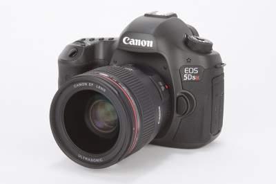 Canon показал первую беззеркальную фотокамеру