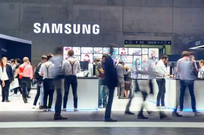 Samsung открыл в Индии крупнейший в мире магазин смартфонов