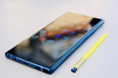 Samsung Galaxy Note 9 взорвался в сумке