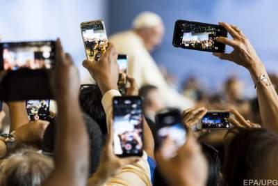 Люди не спешат покупать новые смартфоны