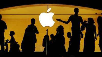 Акции Apple рекордно подешевели